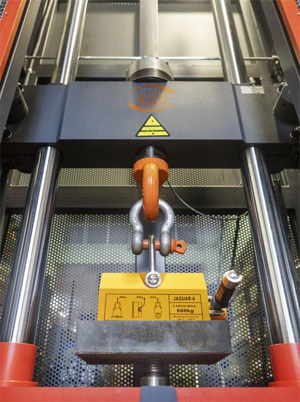 Maquinaria de elevacion y transporte - Jaguar